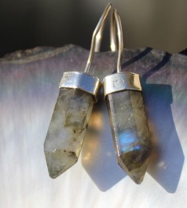 Boucles d'oreilles ethniques pierres naturelles labradorite shantilight